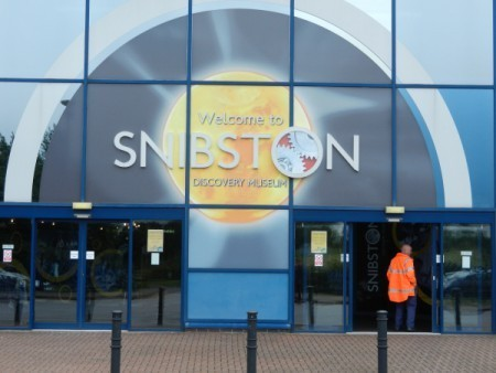 Snibston Discovery Centre entrance