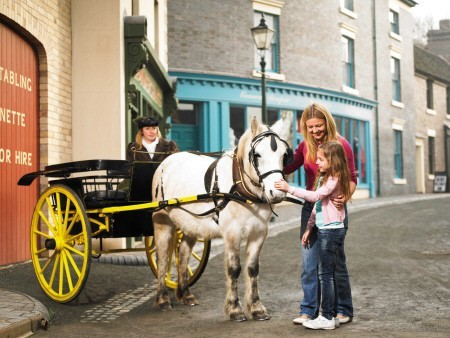 Blists Hill Victorian Town family.jpg_small