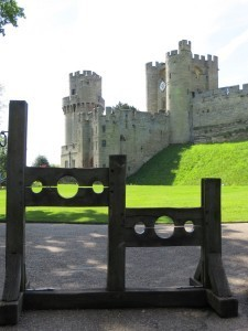 Warwick_Castle_Stocks