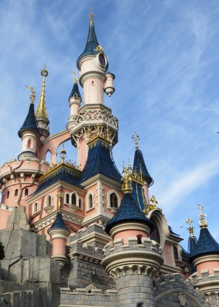 Disneyland_Paris_front