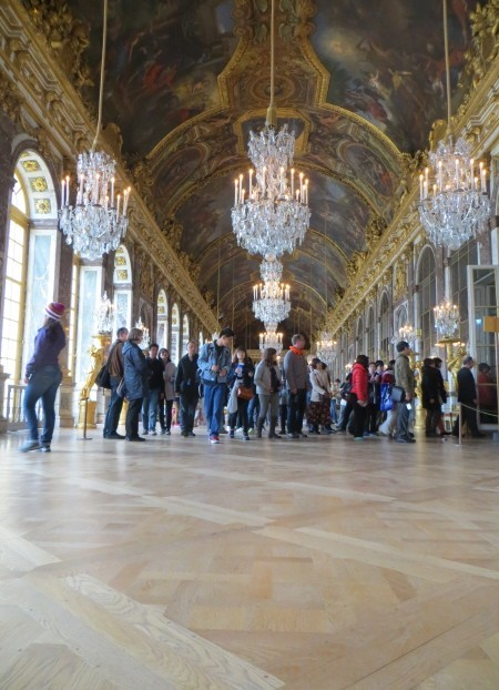 Versailles_palace_hall_of_mirrors