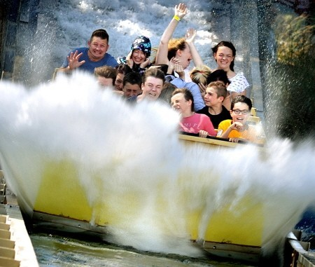 Tidal Wave wet ride at Thorpe Park