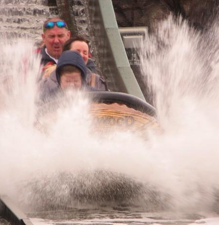 water rides at oakwood theme park