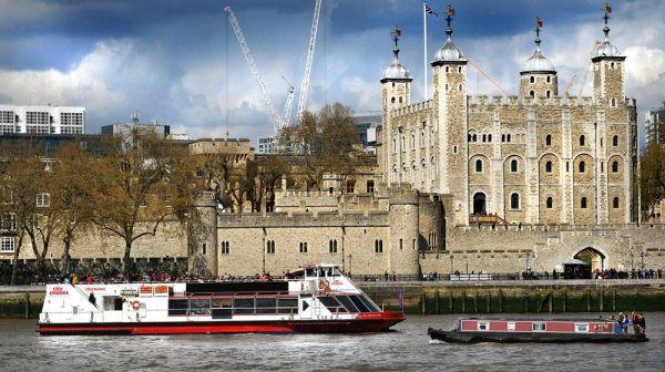 Tower of London and the Thames River Boat Cruise